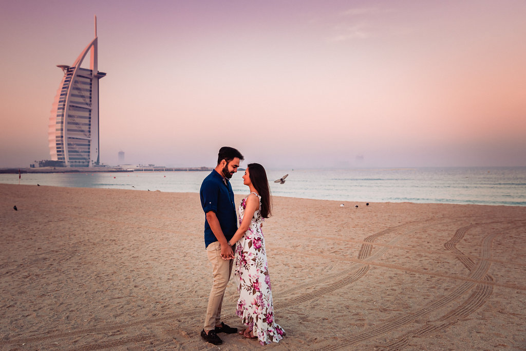 Dubai-Jumeirah-Beach-Couple-Shoot-Priyanka-Jay-0003.jpg