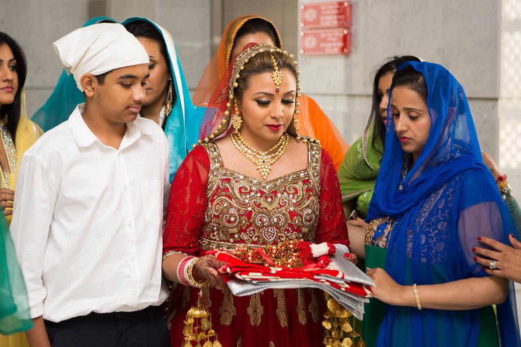 Sikh Gurudwara Dubai Wedding of Nina Ubhi and Bobby Chaggar
